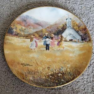 """Bettie Felder """"Gather The Children"""" Plate"""